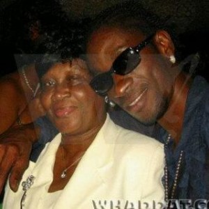 BOUNTY KILLER MOURNS THE PASSING OF HIS MOTHER, WITH SUPPORT FROM FRIENDS AND FANS!
