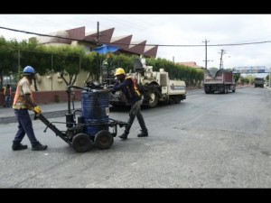 THE JAMAICAN GOVERNMENT ANNOUNCES MAJOR ROAD REPAIRS TWO WEEKS AHEAD OF PRESIDENT OBAMA'S ARRIVAL!